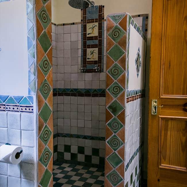 York Lodge Rooms 1-8 Bathroom