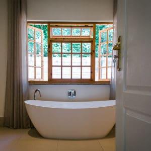 York Lodge Rooms 9-12 Bathroom