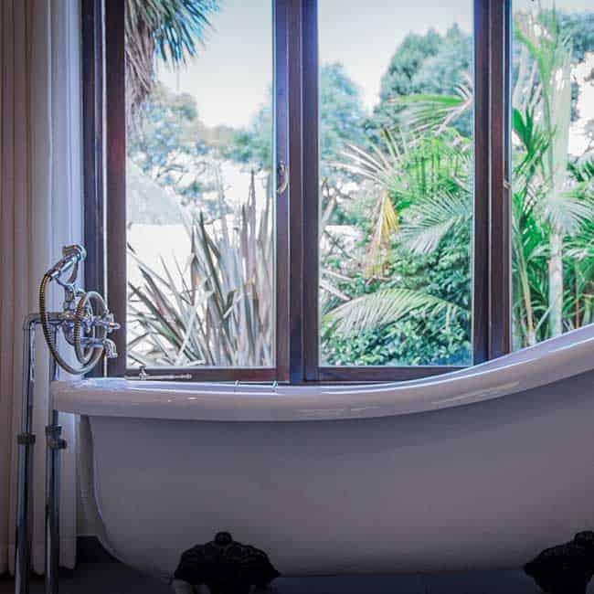 York Lodge Rooms Bath