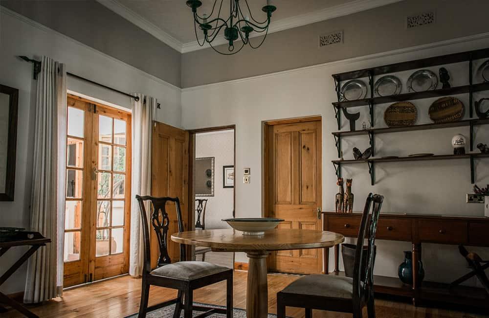 York lodge Interior Dining Area