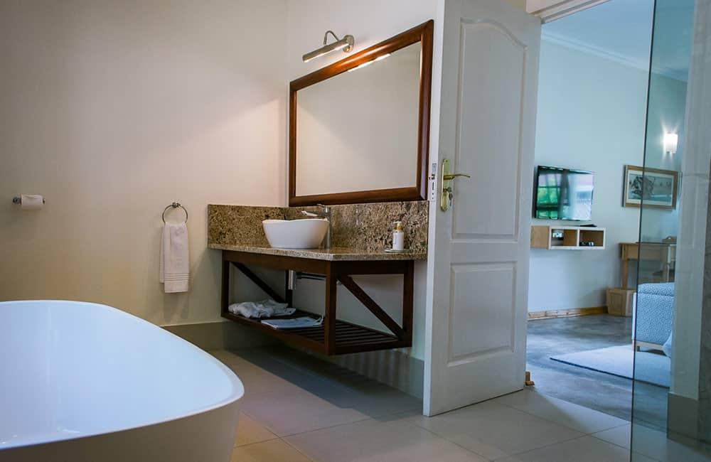 York-Lodge-Bathroom